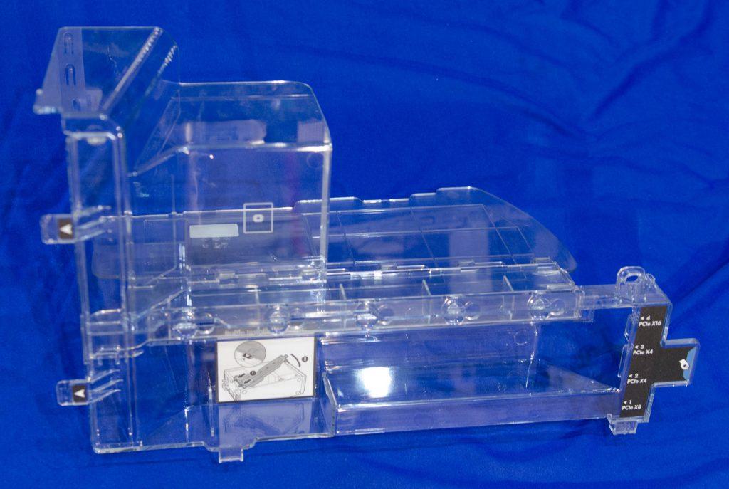 Воздуховод, отвечающий за правильное направление потоков воздуха, улучшающий охлаждение необходимых компонентов.