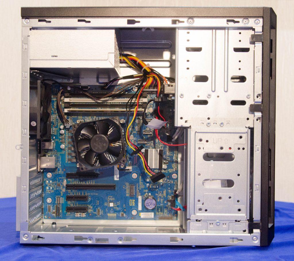 Компактная материнская плата и процессор E3 - являются сердцем данной системы.